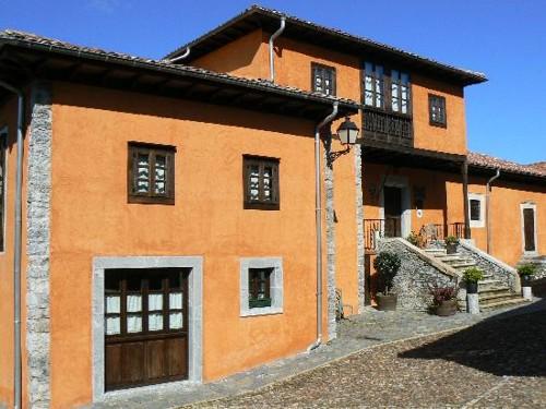 fachada hotel quintana caleyo Asturias